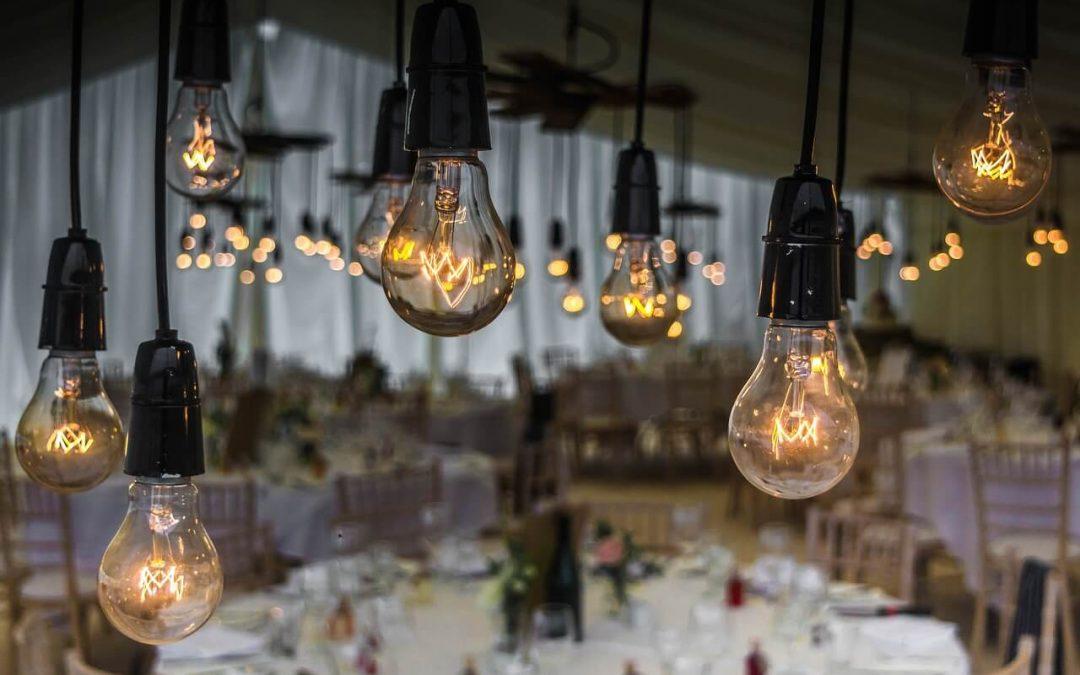 Gra świateł – kilka prawd o roli światła w teledyskach ślubnych