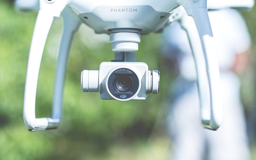 Czy warto wynająć drona na wesele?